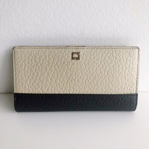 KATE SPADE Leather Bifold Wallet